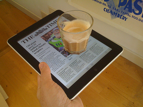 ipad apple inutile utile café plateau
