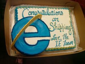 L'équipe de IE envoi un gâteau aux dev de Firefox Microsoft Mozilla
