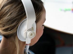 casque audio imprimé avec une imprimante 3d écouteur fille blanc