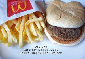 Le McDonalds Happy Meal Project prouve que les conservateurs présents dans les burgers et les frites macdo sont plutot efficaces même après 979 jours !