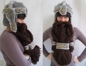Un casque avec barbe de nain qui fait aussi bonnet en laine hiver fille femme the hobbit seigneur des anneaux
