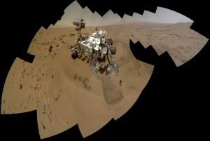 curiosity se prend en photo sur mars et en autoportrait full nasa camera