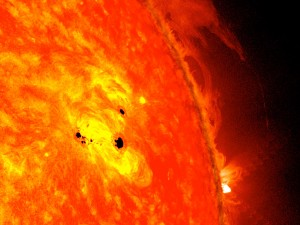 Le Soleil pourrait causer des pannes électriques sur Terre tempêtes solaires