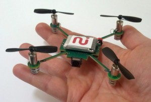 MeCam Quadrocopter un mini jouet pour espion drone video nano