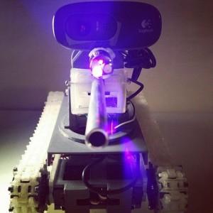 tank raspberry pie geek tourelle logiteckchar assaut chenille imprimante 3D