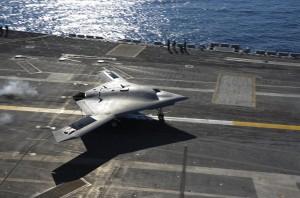 X47B Theodore_Roosevelt_landing Northrop Grumman X-47B Américain