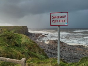dangerous cliff edge ireland danger irlande falaise