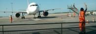Avion piste décollage atterrissage manœuvre guidage au sol tarmac