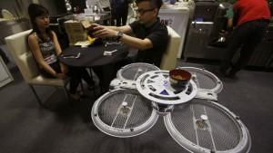 robot drone serveur restaurant