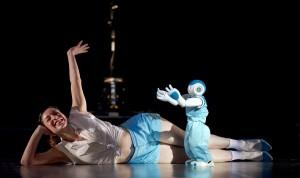 robot art Blanca Li danse dance