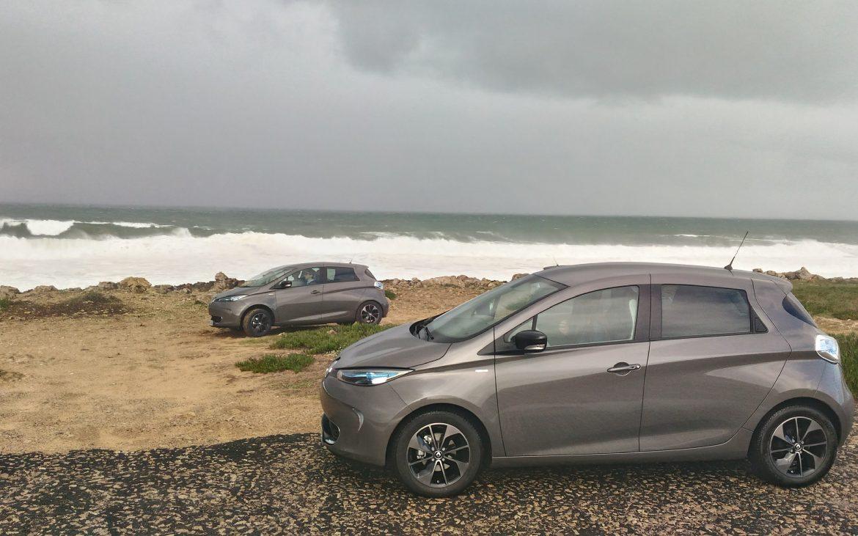 voiture électrique zoe plage portugal vent