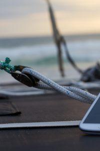 smartphone samsung en vacances